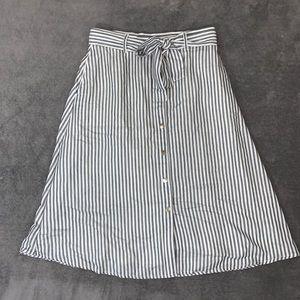 NWT LOFT button Skirt size 6
